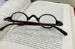 glasses-568408_1280